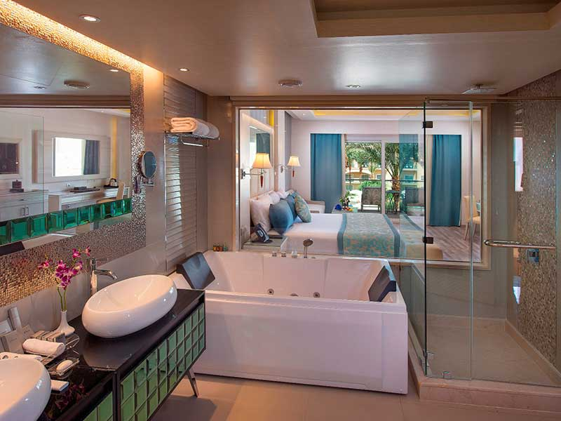 Premium Jacuzzi Suite Prime Sea View and Pool View